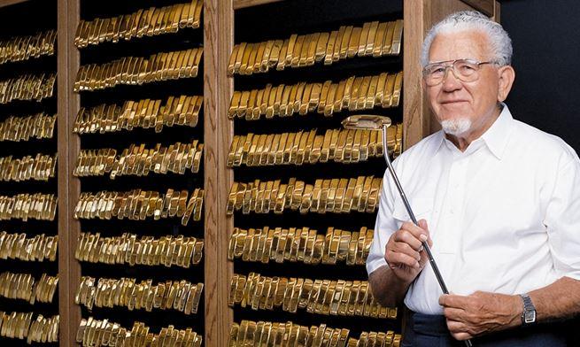 Gold Putter Vault